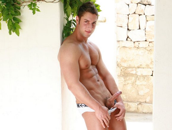 Italian gay porn star DANIELE MONTANA. Looks like Bruno Boni is not the only ...