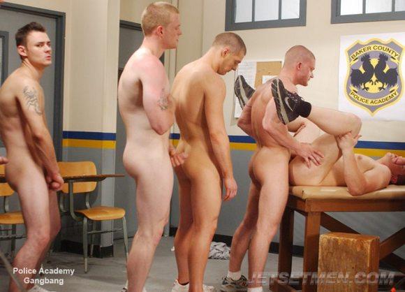porno-video-s-filma-politseyskoy-akademii