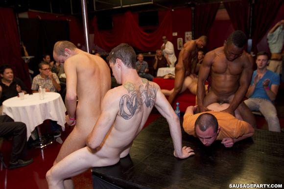 Club gay sex