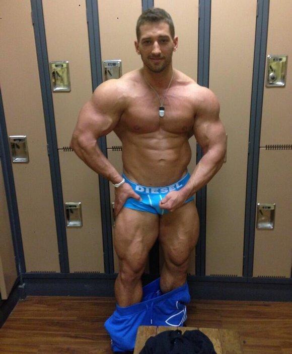 workout bodybuilder gay