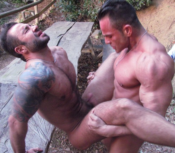 Straight Bodybuilder Fucks Gay Martin Mazza Hard Kinks