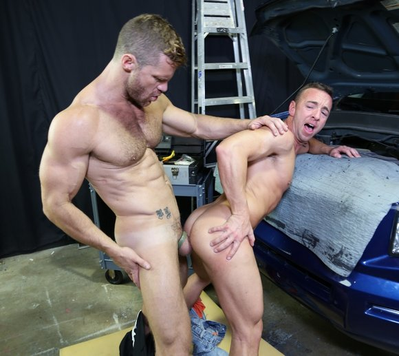 Landon Conrad Fucks Matt Hart