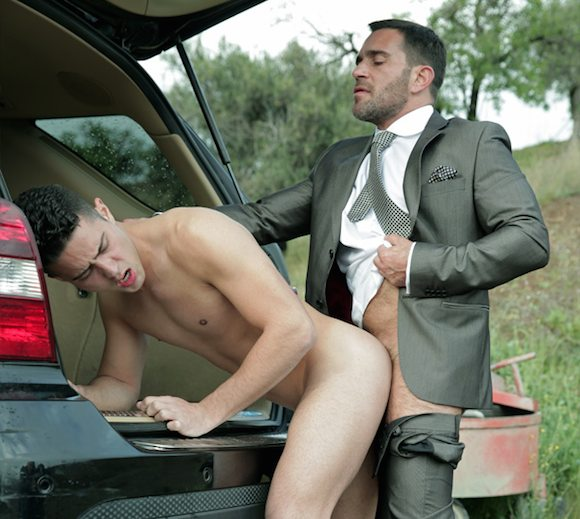 Edu Boxer Fucks Robbie Rojo Menatplay Gay Porn