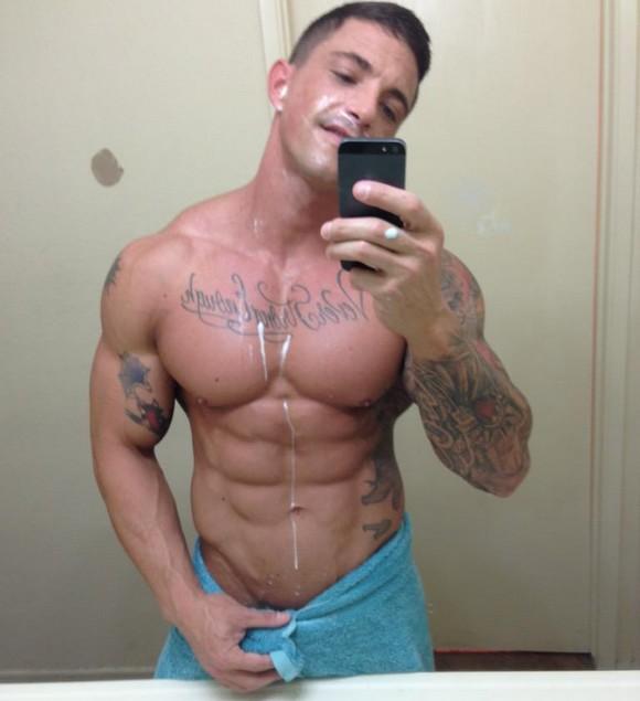 Slate Steele Gay Porn Star Muscle Selfie1