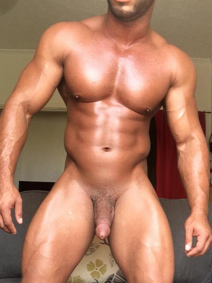 Muscle Hunk Micah Brandt Gets Dominated By Jessie Colter